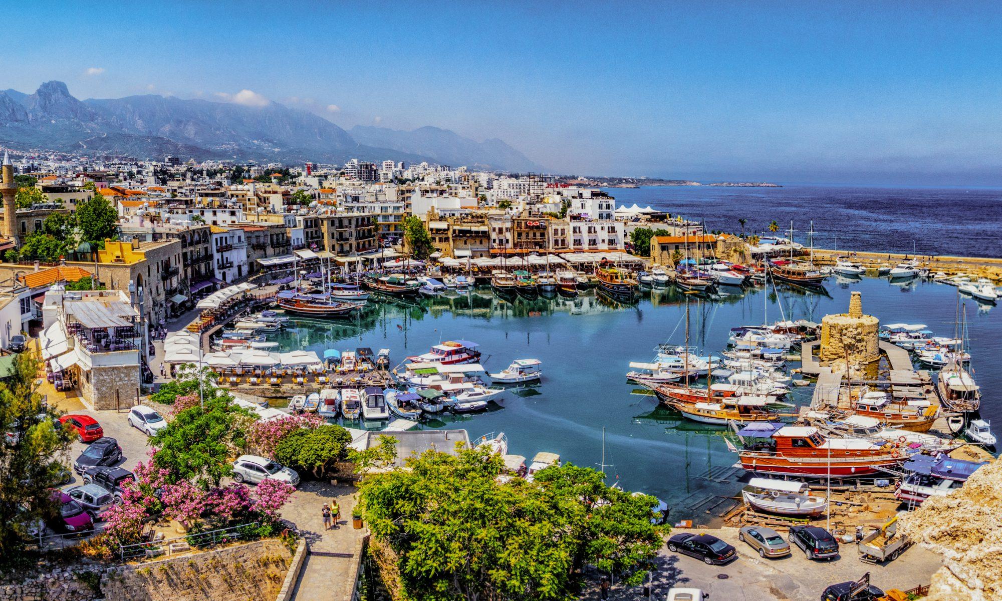 Kyrenia marina na Cyprze