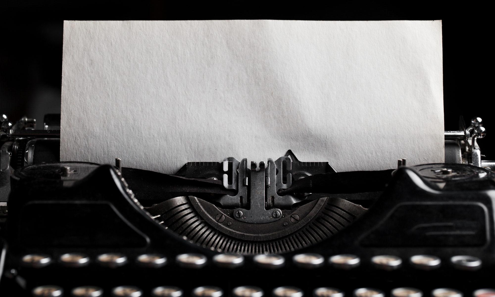 maszyna do pisania gotowa do pracy