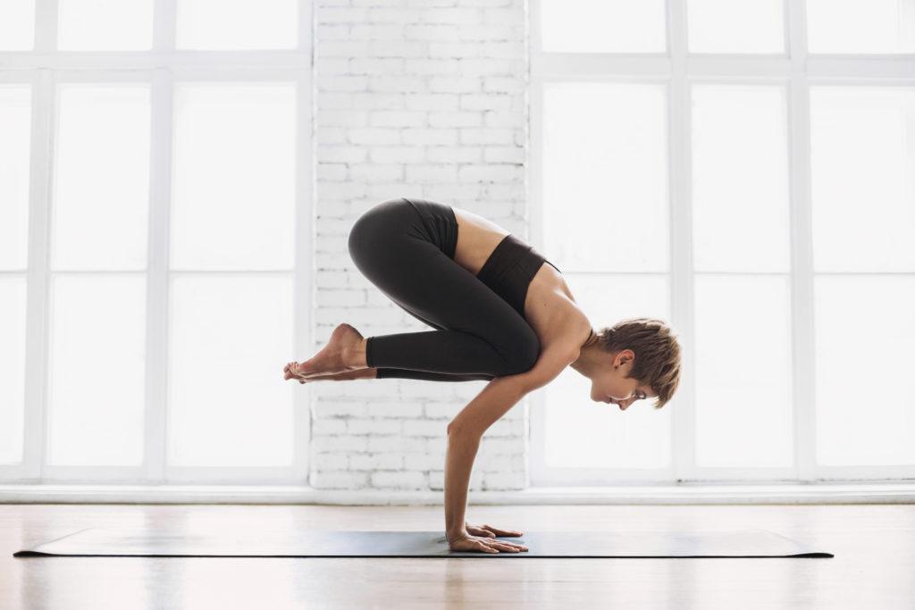 joga stanie na rękach